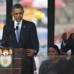 """El director de la Federación de Sordos de Sudáfrica dijo el miércoles que el intérprete era un """"impostor"""". Foto/ AP"""
