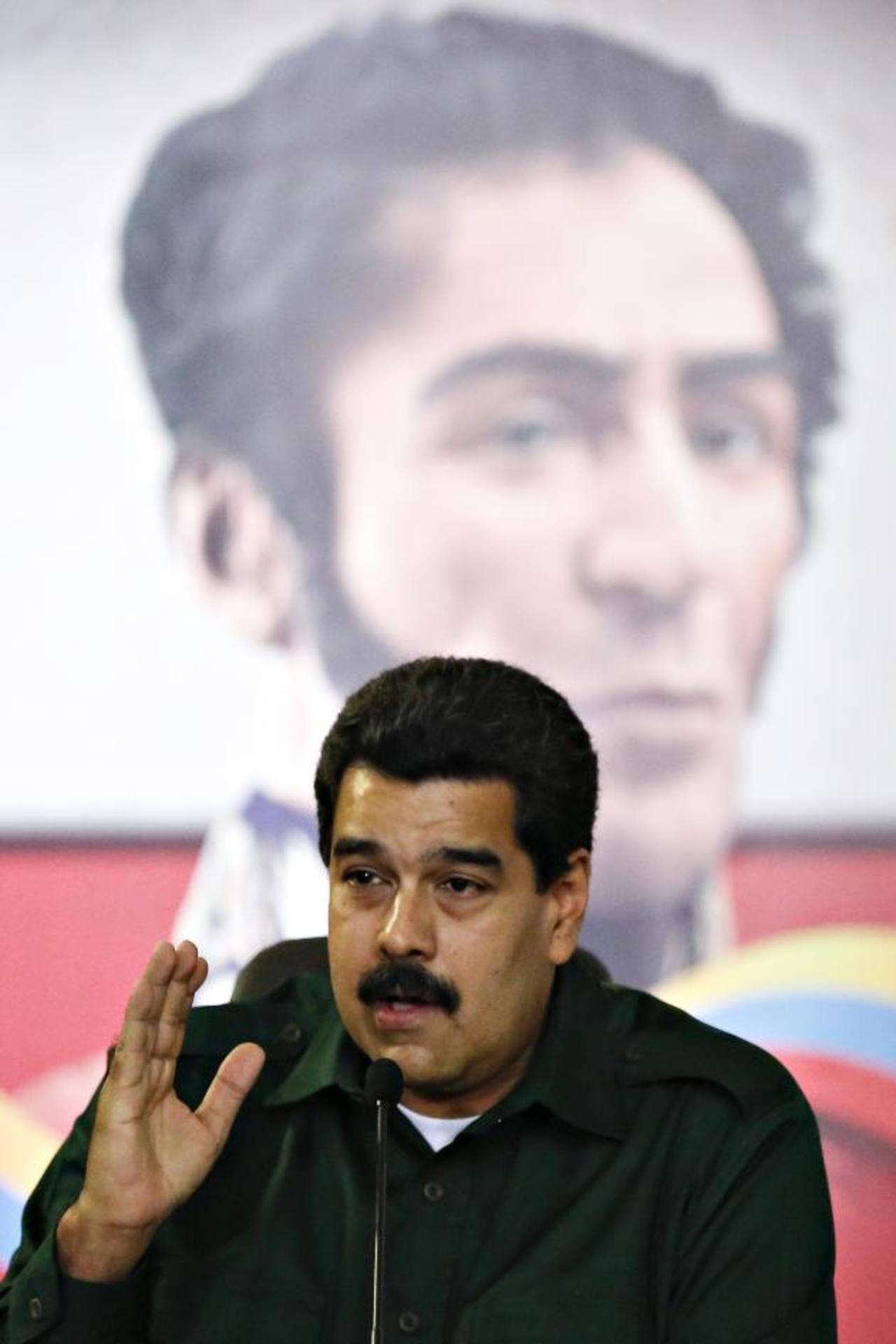 Maduro no está de acuerdo en perdonar la pena a Simonovis. foto edh / Reuters