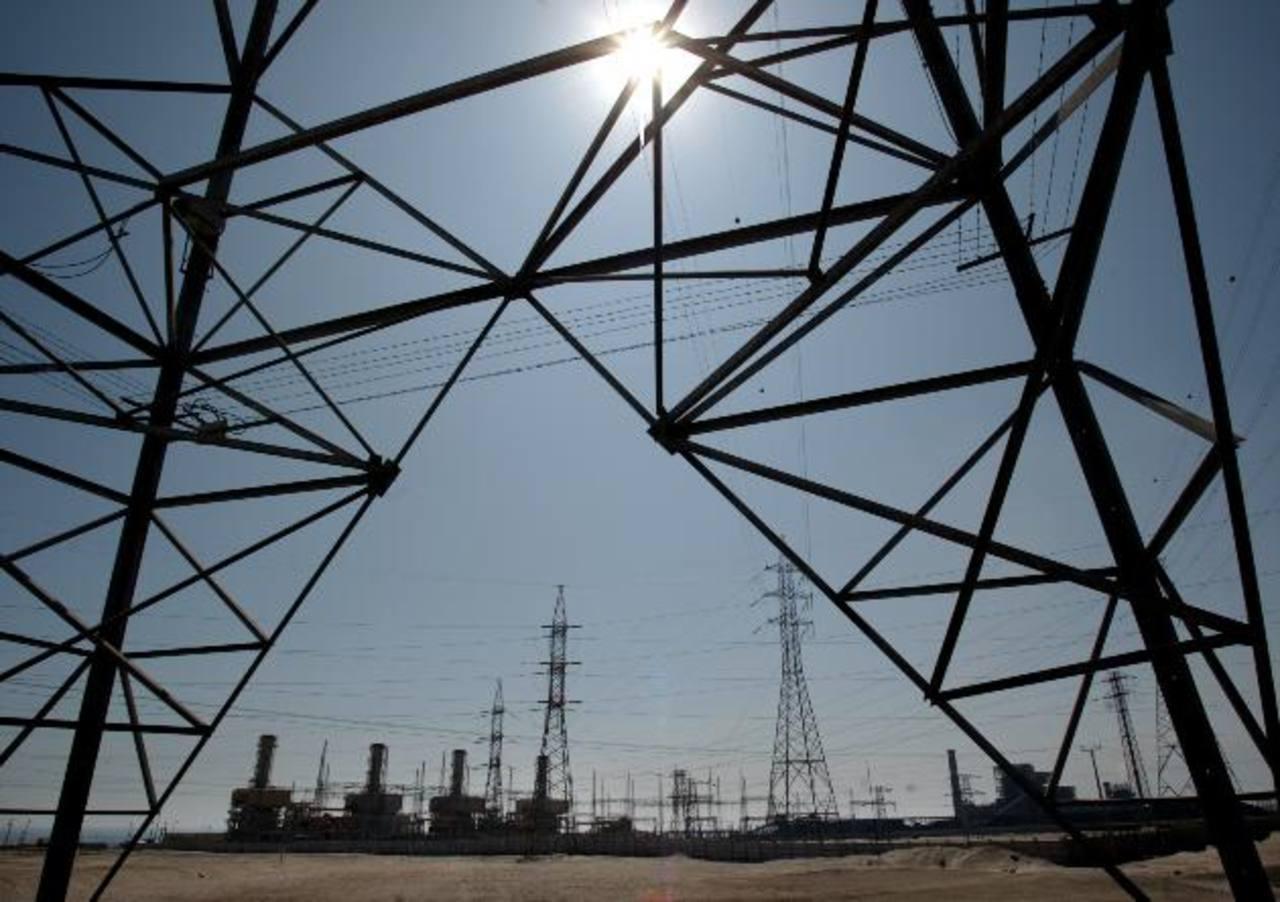 El gobierno descarta aumentar tarifas en electricidad.