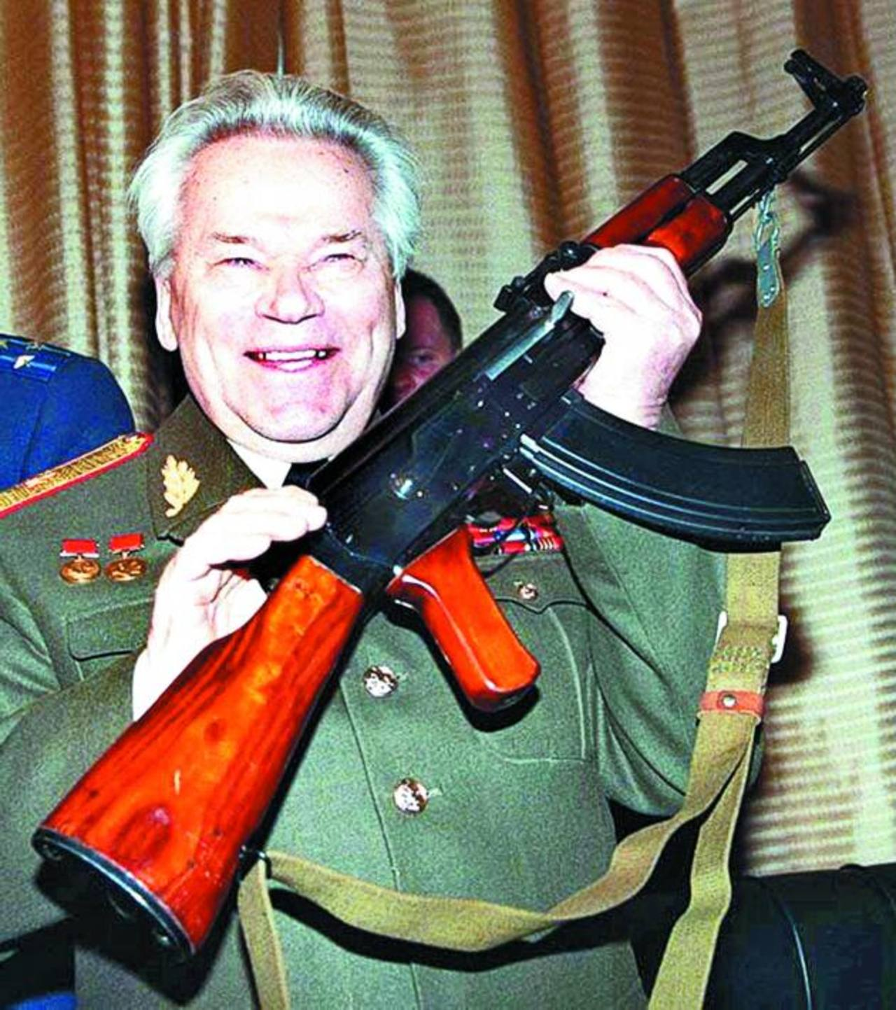 """A principios de los años 70, Kaláshnikov inventó el fusil semiautomático """"Saigá"""", que se labró gran fama en la Unión Soviética."""