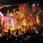 Las diversas carrozas del desfile estuvieron llenas de colorido y alegría. El público presente aprovechó para tomar fotografías de sus preferidas. Fotos EDH / Marlon Hernández