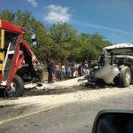 Así quedaron los vehículos en uno de los accidentes. FOTO EDH Foto tomada de Twiiter de @LeanMarinero