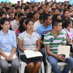 Lo común en las feria de empleo en El Salvador es que son abarrotadas por jóvenes y profesionales. foto edh/archivo