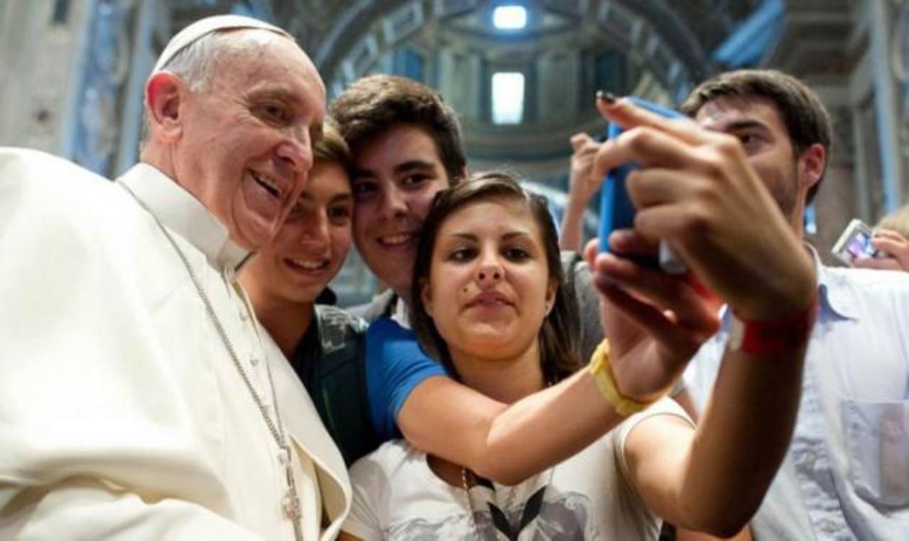 """Hacerse un """"selfie"""" es el fenómeno del año en la red"""