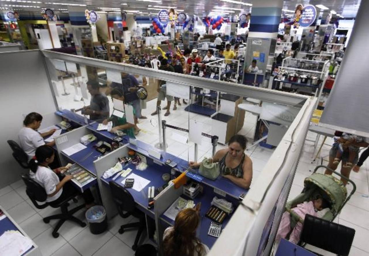Las fábricas brasileñas tienen aún problemas para competir en el extranjero y más líneas de montaje quedaron ociosas.