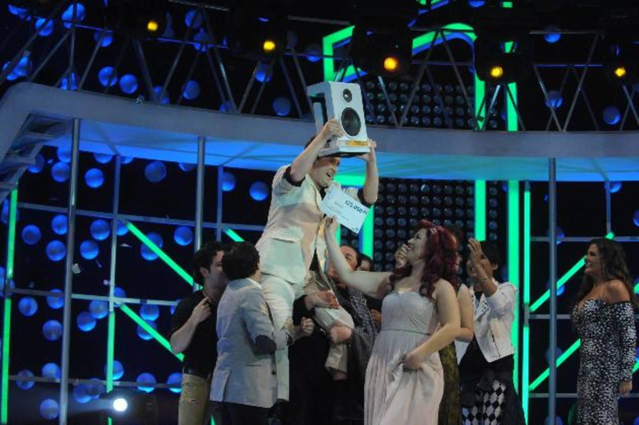 Después de una extensa gala, el salsero se coronó como el primer ganador del reality. foto edh / Lissette Monterrosa