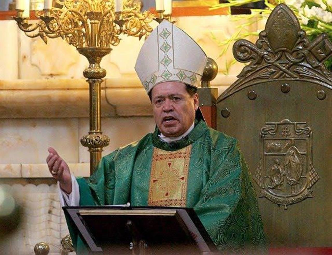 El cardenal Norberto Rivera pidió a los feligreses no asustarse con las llamadas de extorsión y negarse a pagar. foto edh / efe