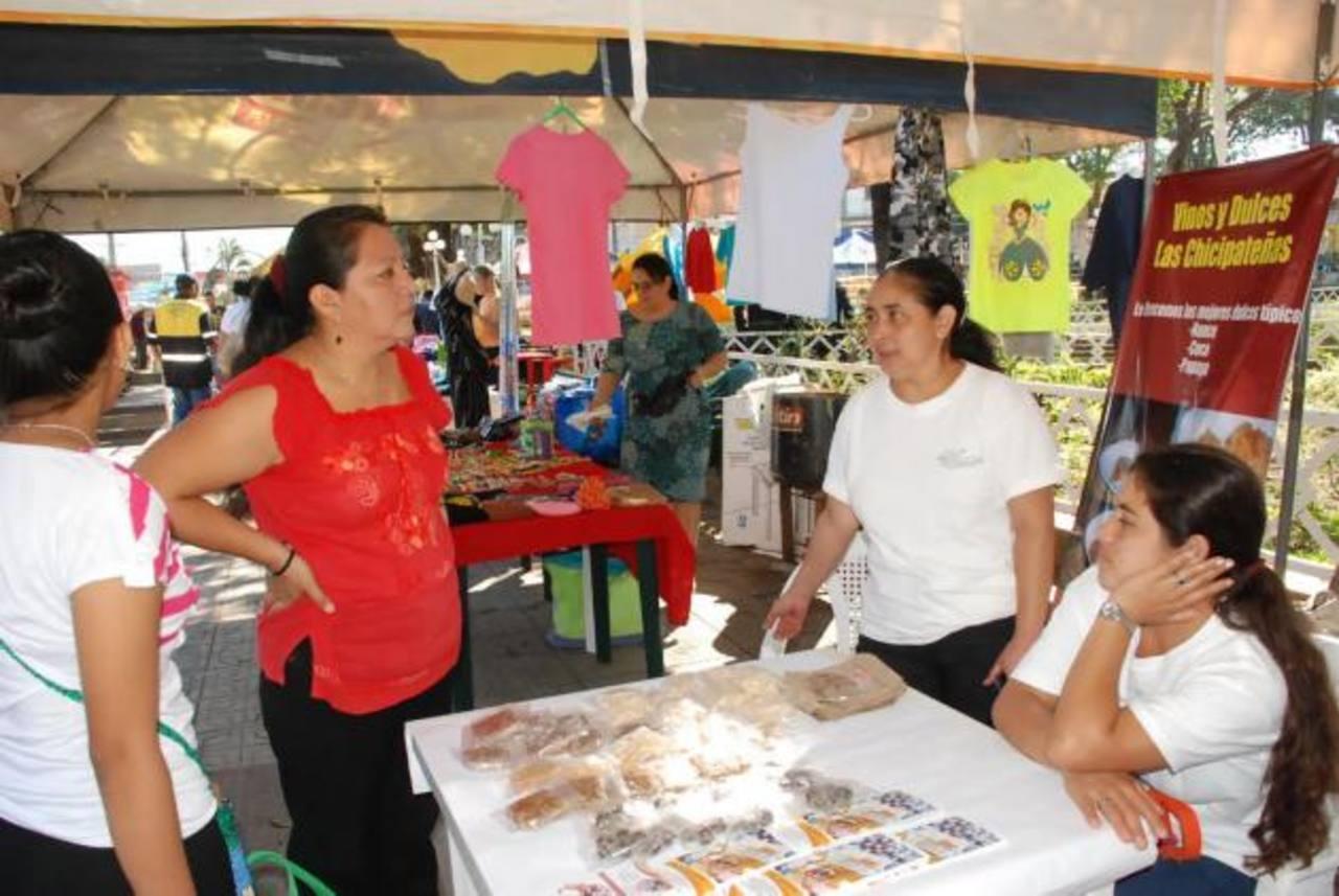 Los artesanos de los diferentes municipios del departamento de a Unión participan en los festivales. Foto EDH / Insy Mendoza