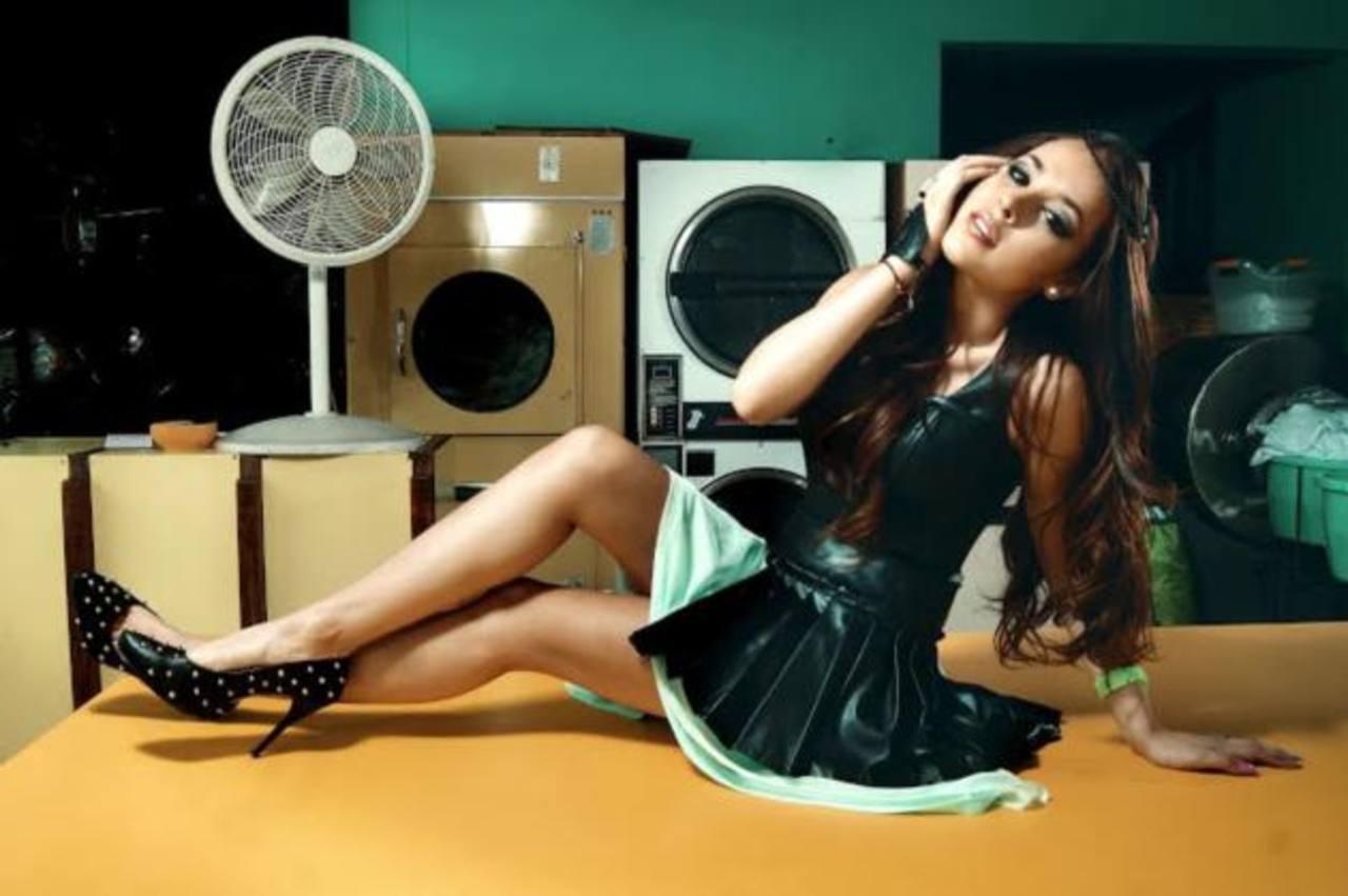 """Danna Paola se encuentra promocionando su tema """"Agüita"""", tema de """"Niñas Mal 2""""."""