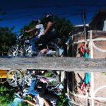 Mientras las autoridades discuten, los migueleños deben hacer uso de una red vial desvencijada. foto edh / francisco torres