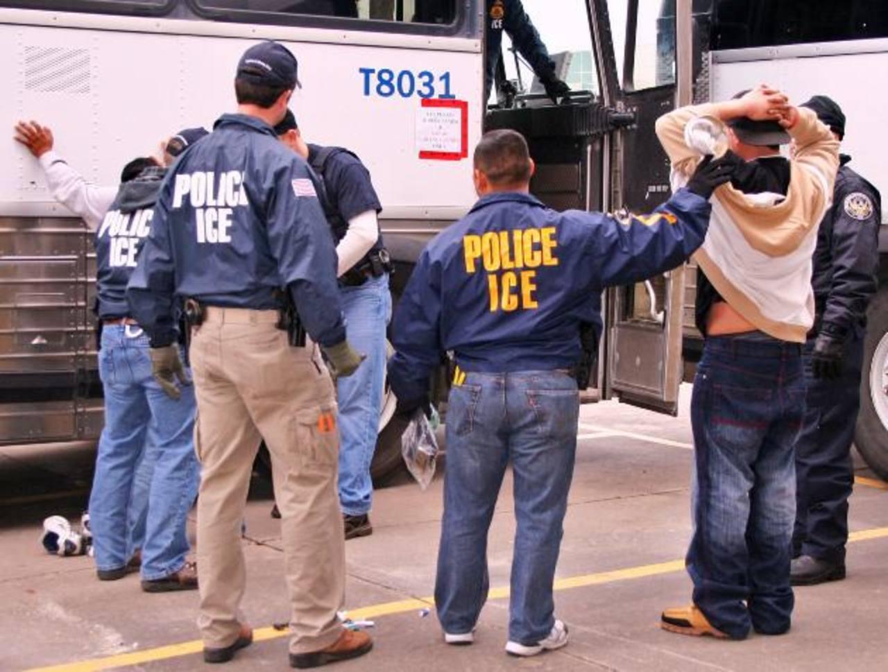 Más de 500 organizaciones y 29 legisladores demócratas pidieron este mes a Obama que detenga las deportaciones de los inmigrantes.