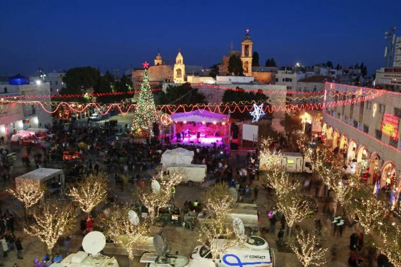 La Iglesia de la Natividad, en Israel, es el punto de encuentro para quienes buscan festejar la Nochebuena. FOTO AP