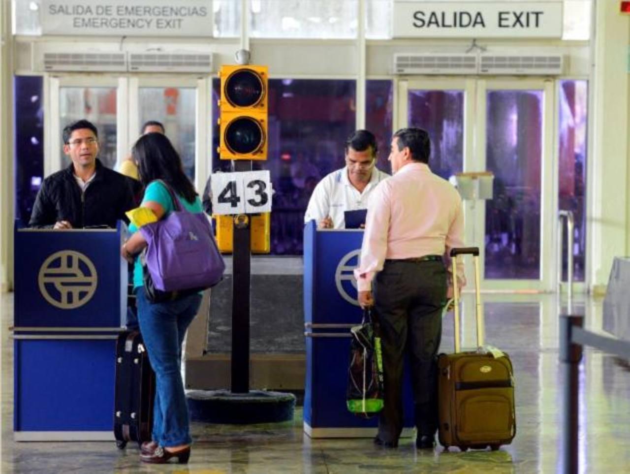 Cae pareja en Aeropuerto con 4 kilos de cocaína