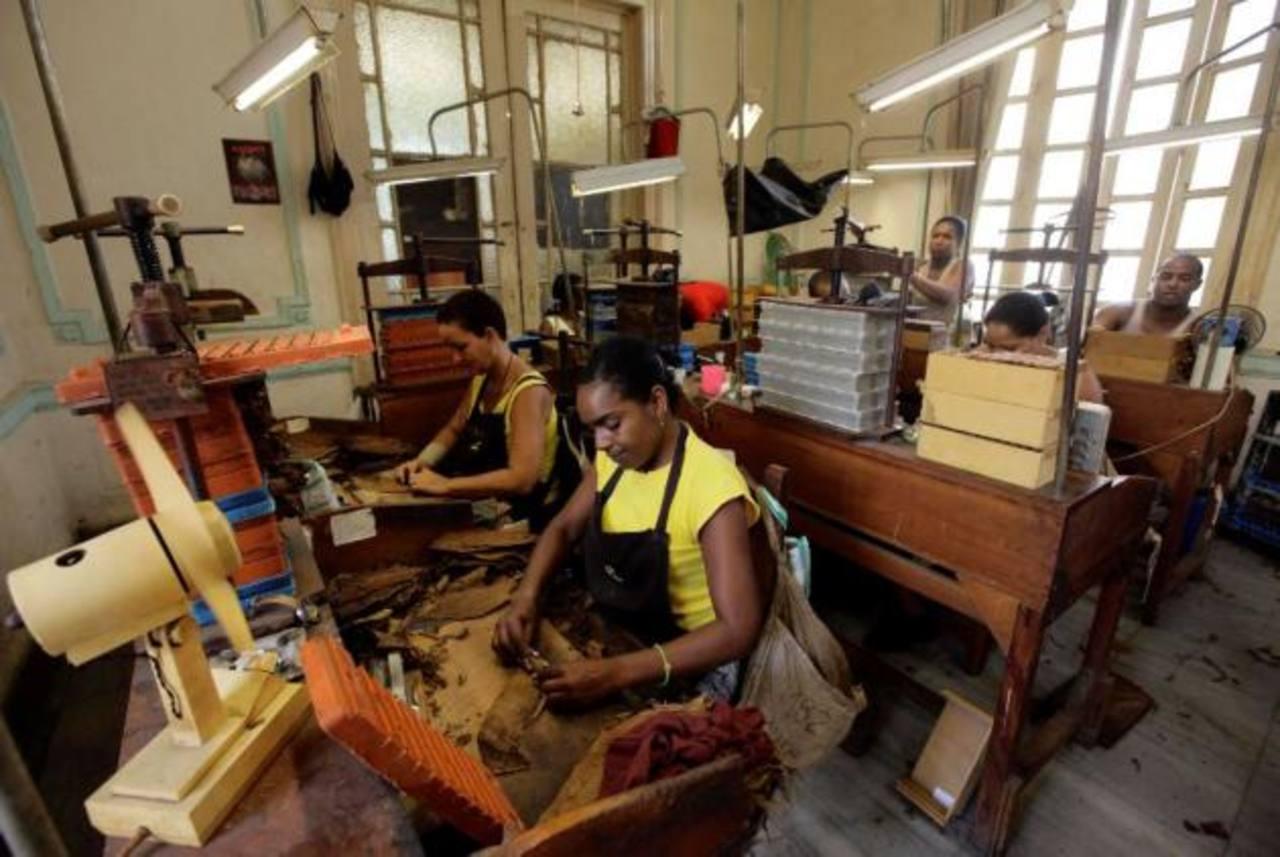 Cuba facilitará dar créditos a negocios