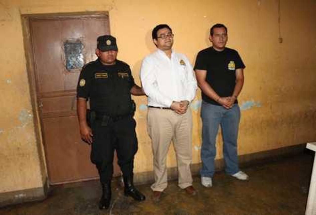 Los detenidos fueron identificados como Francisco Delgado Rivas y Mario Soto Padilla. foto edh /tomada de prensa libre