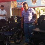 Un grupo de salvadoreños residentes en Estados Unidos entregó un donativo de sillas de ruedas, bastones, muletas y andaderas a la Unidad de Salud de Uluazapa y hospital regional en San Miguel. Foto EDH/ Francisco Torres