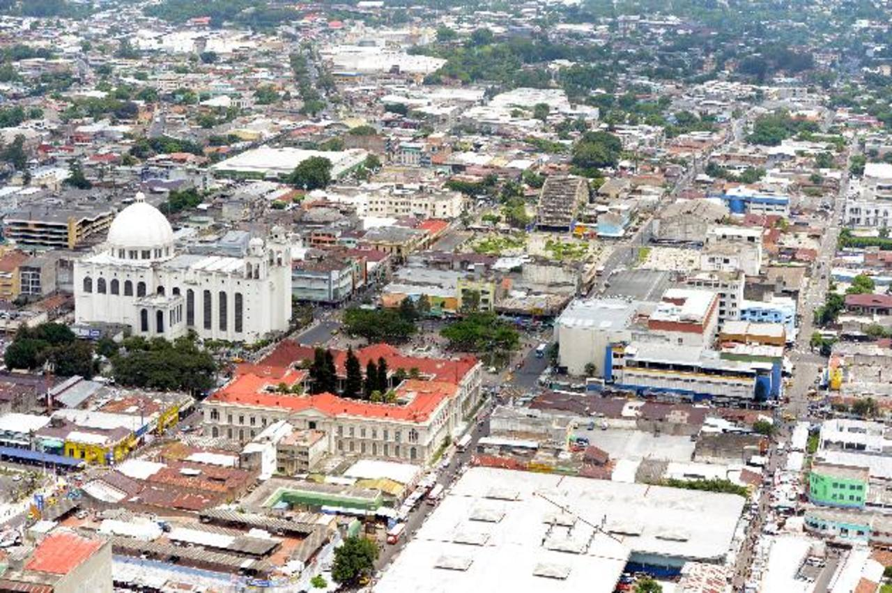 El Salvador será el que menos crecerá en 2014 a nivel de Centroamérica con 2.5%, según la Cepal. Foto/ Archivo