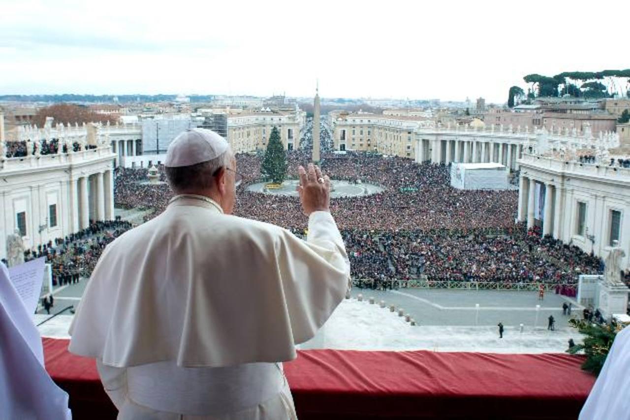"""El papa Francisco dijo que se unía a todos aquellos que tienen la esperanza de """"un mundo mejor"""". Foto/ AP"""