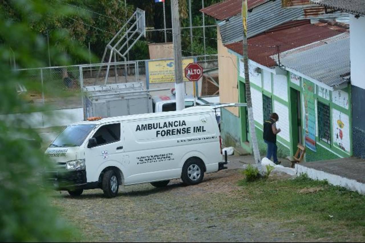 Los dos adolescentes murieron en el interior de un restaurante en Jayaque. Foto/René Estrada