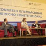 El magistrado Sidney Blanco participó en una mesa de diálogo con otros ponentes. Foto EDH / Jorge Reyes