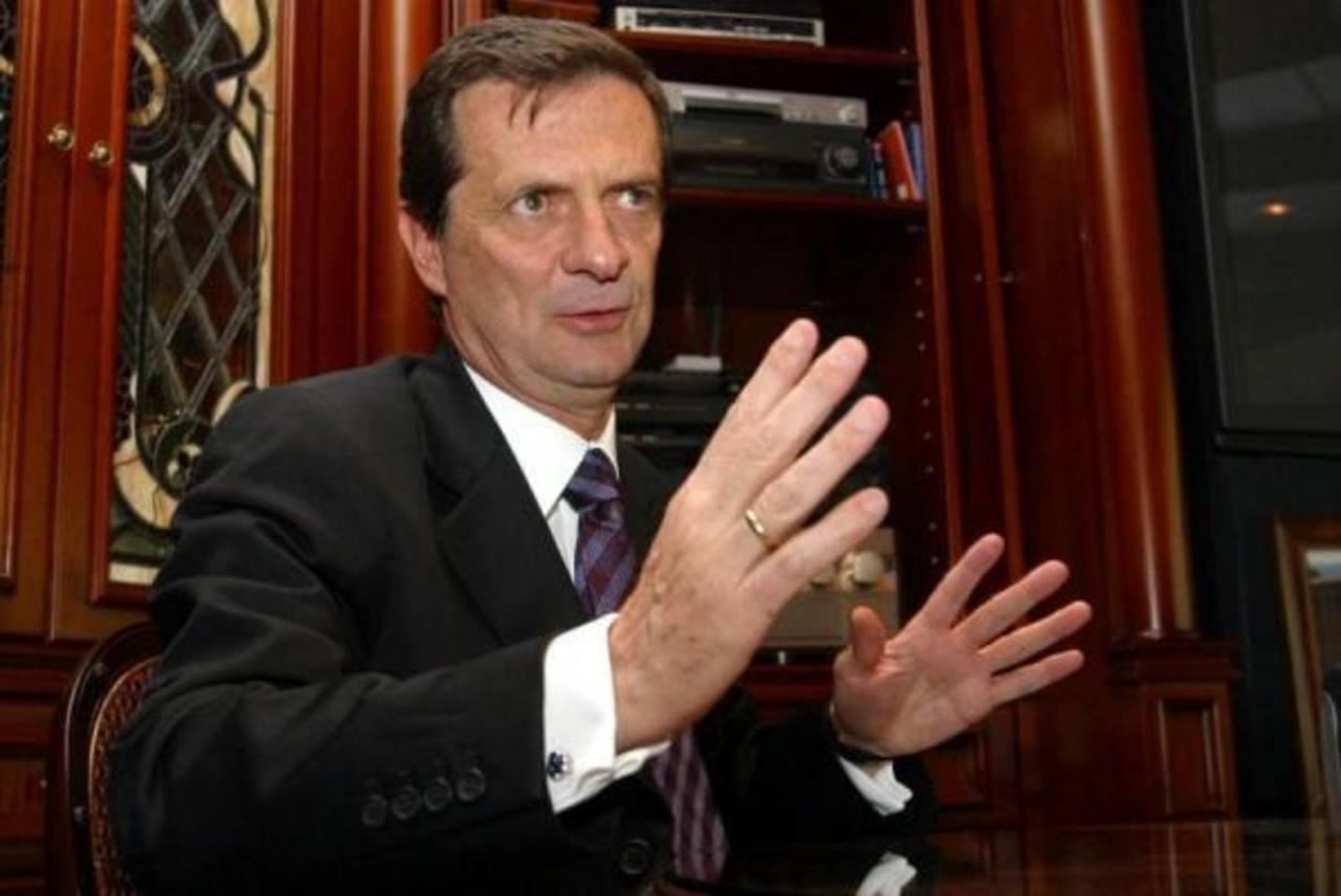 El exministro Fernando Londoño Hoyos, quien sufrió un atentado terrorista en 2012. foto edh / internet