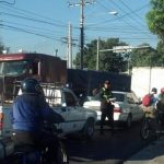 Así estuvo el tráfico vehicular por la mañana en las cercanías de la calle 5 de Noviembre y Troncal del Norte. Foto vía Twitter Nidia Hernández