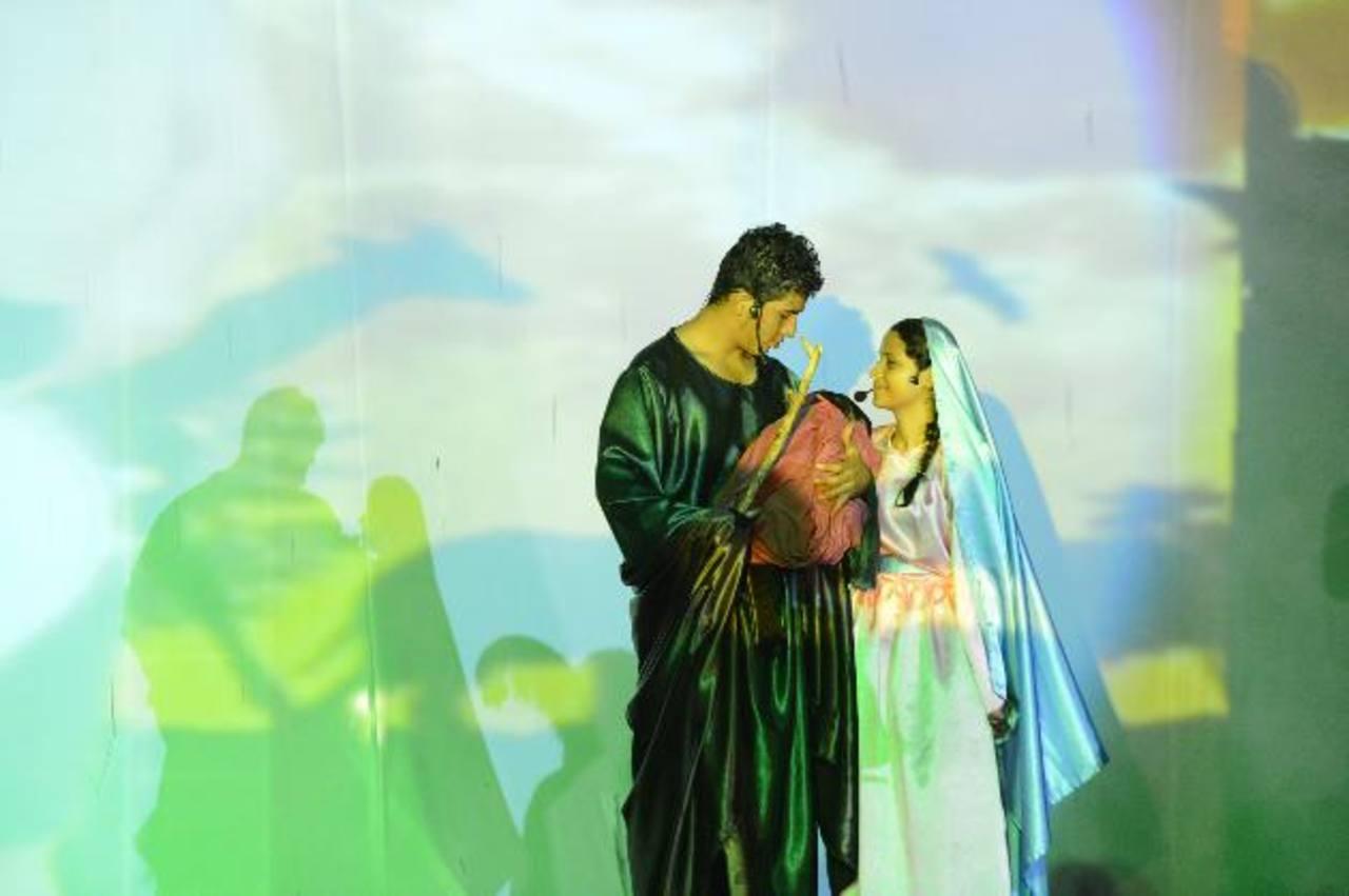 Los actores recordaron lo que vivió María y José en la víspera del nacimiento del Niño Dios. El elenco actoral fue de más de 800 personas.