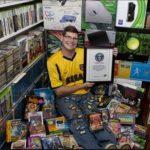Hombre gana récord Guinness por poseer 10,607 videojuegos