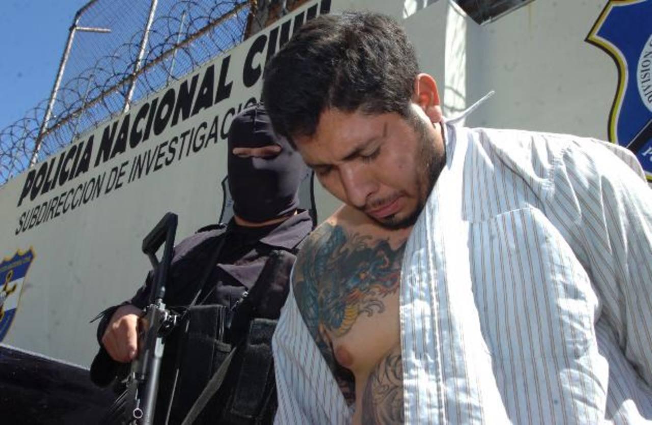 """En la audiencia preliminar ayer estuvieron presentes 47 de 53 imputados de la banda """"El Tigre"""". Foto EDH/ archivo"""