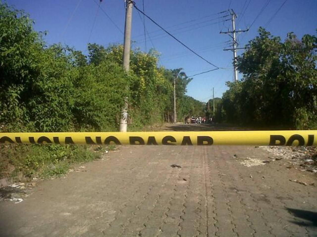 La víctima se dirigía a trabajar cuando fue asesinado por delincuentes. FOTO EDH Lilibeth Sánchez.