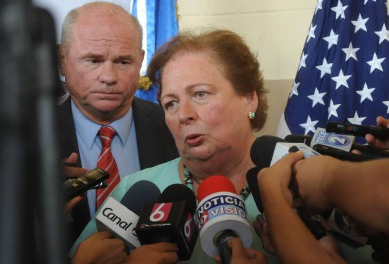 La embajadora de los Estados Unidos en El Salvador, Mari Carmen Aponte. Foto/ Archivo