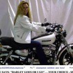 Estadounidense vende moto y esposa