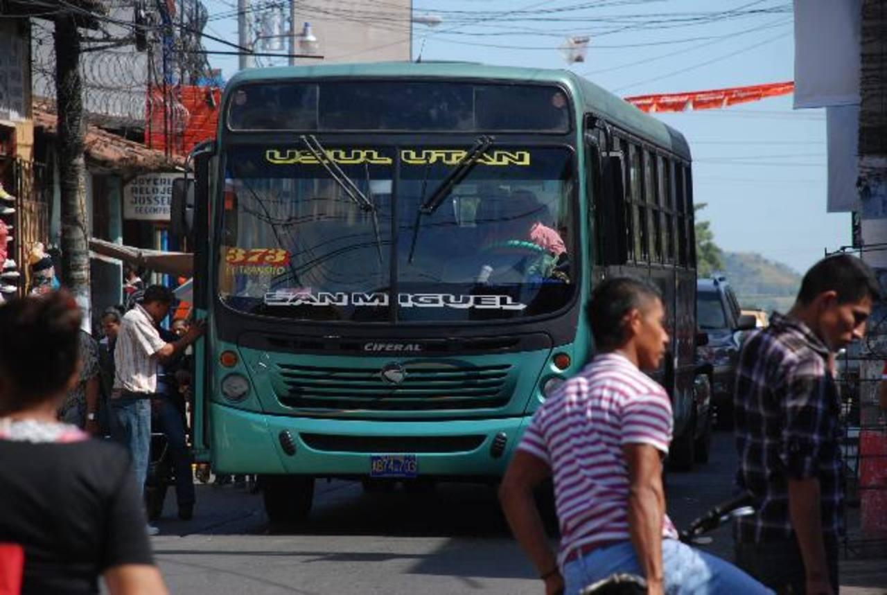 Esta es una de las rutas de autobuses que dejarían de pasar por las calles Federico Penado y Grimaldi para poder llegar desde San Miguel a Usulután.