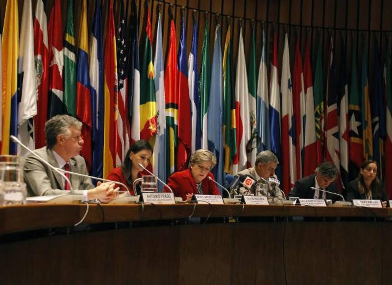 Alicia Bárcena, Secretaria General de Cepal, ayer en Santiago, de Chile, donde se dio el informe económico 2013. foto edh / efe