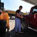 Los precios del diésel aumentarán hasta $0.04 en la zona central y la occidental. FOTO EDH/Archivo