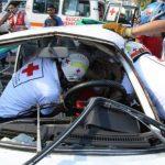 Las víctimas quedaron atrapadas tras el choque. FOTO EDH Cortesía cruz Roja Salvadoreña.