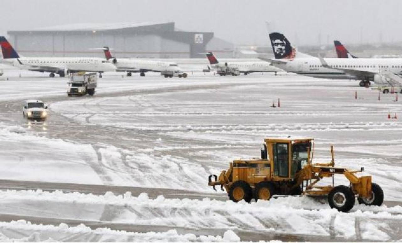 Varios vuelos fueron suspendidos debido a la tormenta que azota EE. UU.
