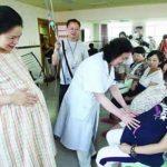 La medida es parte de un plan para elevar las tasas de natalidad y aliviar la carga financiera motivada por el rápido envejecimiento de la población de China: se estima que en 2025 más de 300 millones de chinos estarán jubilados. foto edh / internet