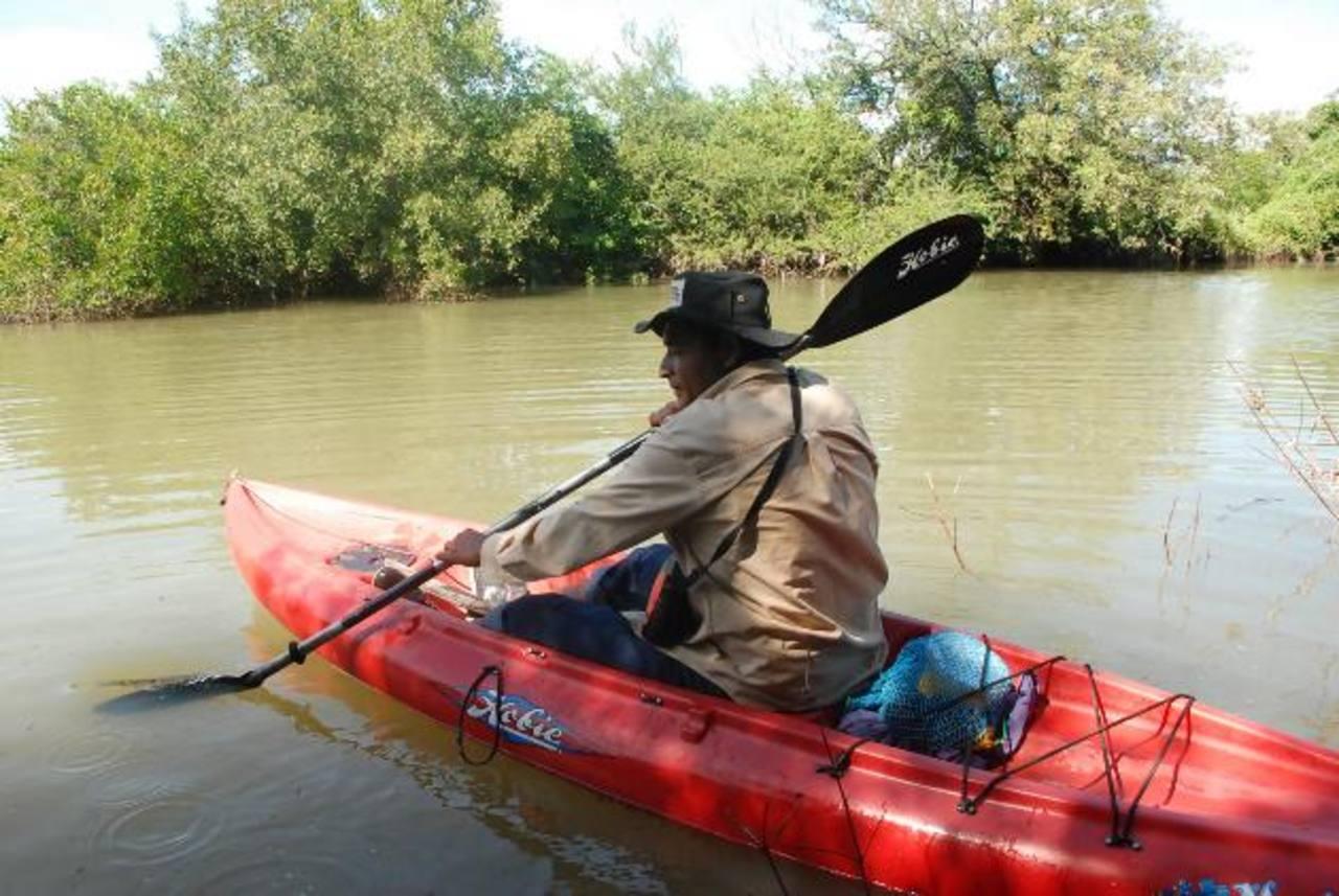 La tala de mangle y la caza de iguanas y garrobos es el pan de cada día en la zona de manglar del departamento de La Unión. foto edh / insy mendozafoto edh / insy mendoza