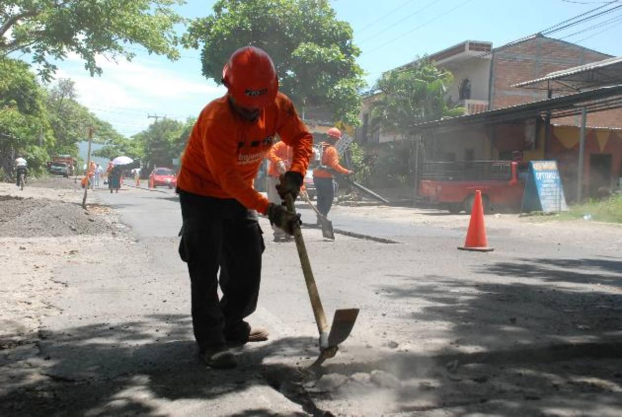 Los trabajos de ampliación de la calle de acceso a Gotera duraron varias semanas. foto edh / archivo