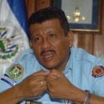 El director del Cuerpo de Bomberos, Abner Hurtado, dijo que dará a conocer si se retira o no de la institución hasta finales de enero de 2014. Foto/ Archivo