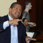 El exmandatario Francisco Flores acudió ayer a la Fiscalía, pero no en calidad de acusado, dijo el Fiscal General. Foto EDH / Archivo