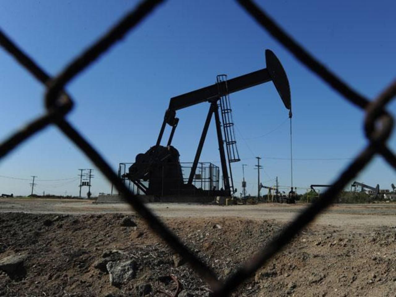 Empresa privada podrá invertir en petróleo mexicano.