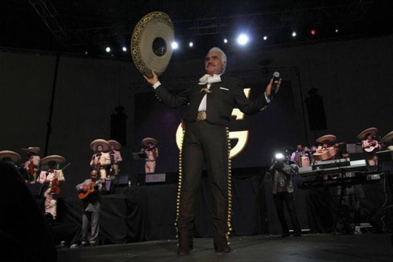 Gira de Vicente Fernández habría sido utilizada para lavar más de 6 millones de dólares