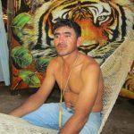 Miguel Ángel Fuentes denuncia que militares hondureños lo abandonaron, tras decomisarle su lancha, en aguas profundas.