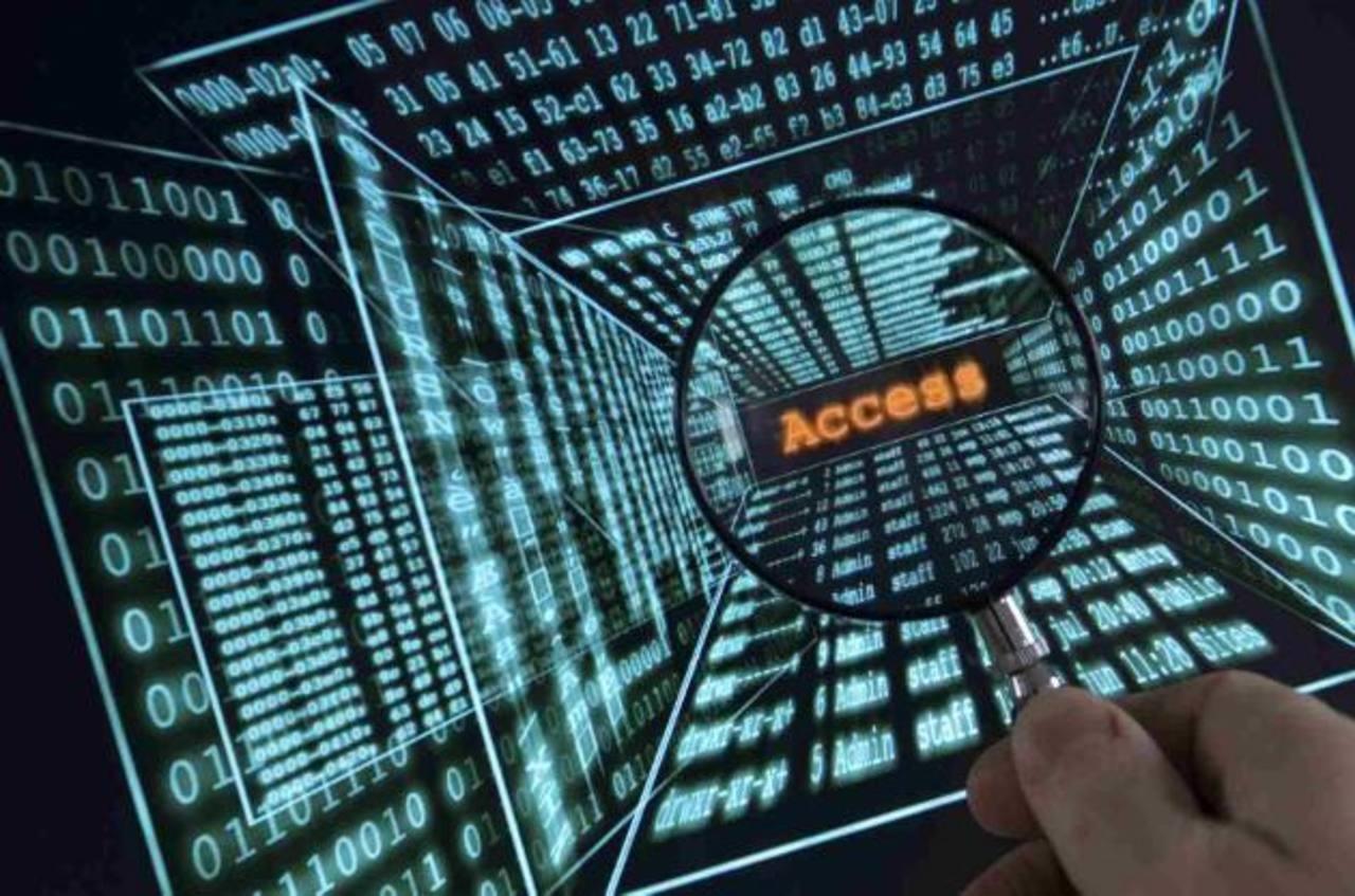 """Las redes sociales no se quedaron fuera de peligro. Las contraseñas de usuarios de Facebook y Twitter fueron """"secuestradas"""" este año."""
