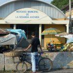 El homicidio del vendedor Jimmy Herrera ocurrió cinco días después de que una anciana de 72 años y un marero fueran asesinados en el mercado de San Martín. Los usuarios del establecimiento denunciaron que a diario se cometen robos y extorsiones. Foto