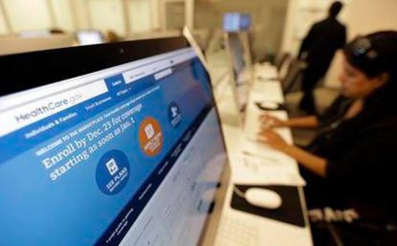 El gobierno federal informó que más de 1,1 millones de personas han contratado un seguro de este tipo a través de ese sitio en internet. Foto/ AP