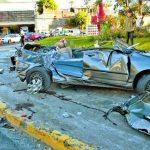 Supuesta ebriedad y excesiva velocidad fueron la combinación fatal para un trágico accidente en la colonia Escalón. Fotos EDH / Jaime Anaya