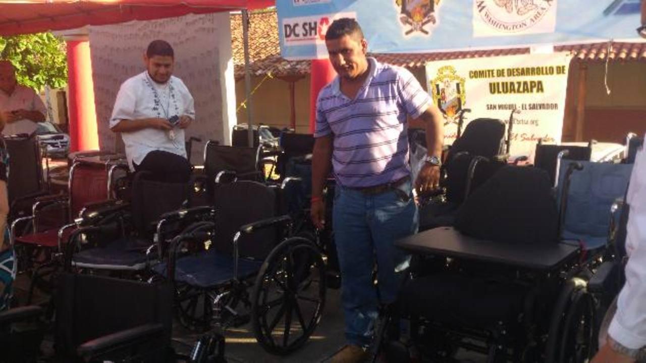 El donativo de sillas de ruedas y de muletas fue entregado a inicios de la presente semana en Uluazapa. foto edh / francisco torres